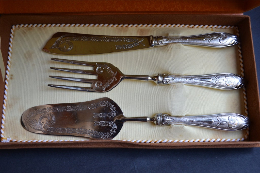 vintage wedding cake serving set vintage silver set silver 800 cake server and cake knife 21611