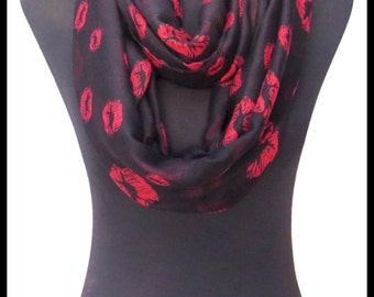 Black Infinity Scarf With Kiss Design