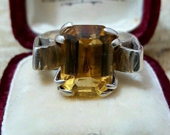 Vintage 925 sterling silver ring, dated 1978, beautiful citrine, size r