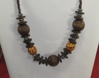 E-73 Vintage Necklace & earrings 20 in long