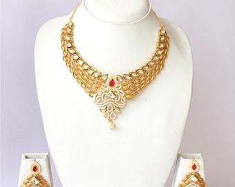 Close Neck Kundan Leaf Pattern Bridal Necklace Set / Gold Finish Kundan Wedding Jewelry / Traditional Indian Wedding Jewelry Set..