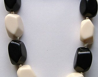 1990s MONOCHROME  NECKLACE