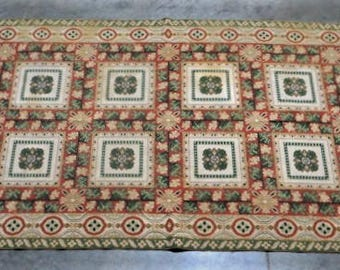 French Hook Rug in Wool
