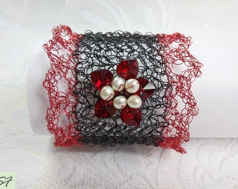 Black Red delicate bracelet wire, Pearl and crystal heart width cuff, Wire knitted bracelet, Knitted jewellery, sparkle bracelet beaded cuff