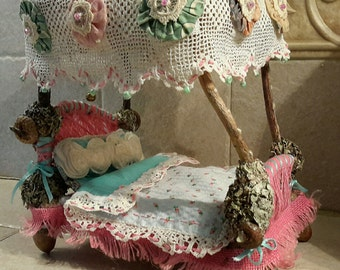 Antiquated Lacey FairyBed
