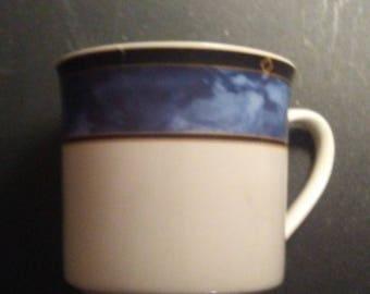 Gibson coffee mug with Blue trim