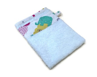white sponge washcloth