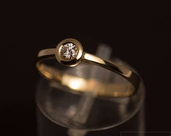 Diamond ring (0.1 CT, tw vs) made of 585 gold