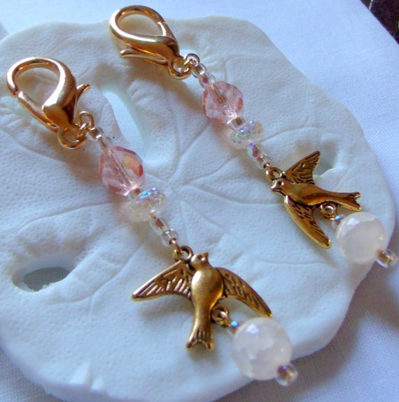 Gold tone dove zipper pulls - Bridal shower - gift bag charms  - bling -  creamy agate -  resin glitz -favors -  romance - wedding memento