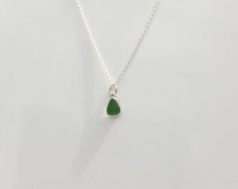 Green Seaglass Necklace, Bright Green Sea Glass Pendant, Seaglass Jewellery, Seaglass Necklace, Sea Glass Pendant