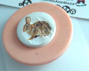 4.5cm Handmade pin, Easter Bunny, Easter Bunny pin, bunny pin, rabbit pin, Easter Bunny pin badge, bunny rabbit, Easter gift, rabbit gift