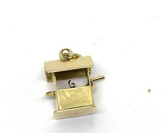 Vintage 14 Karat Yellow Gold Wishing Well Charm #1601