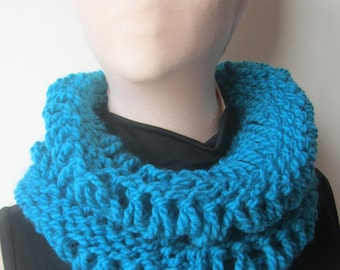 Turquoise Chunky Knit Cowl/Chunky Cowl/Turquoise Cowl/Turquoise Knitted Cowl/Gift for her/Knit Cowl/Winter Cowl/Warm Cowl/Warm Knit Cowl