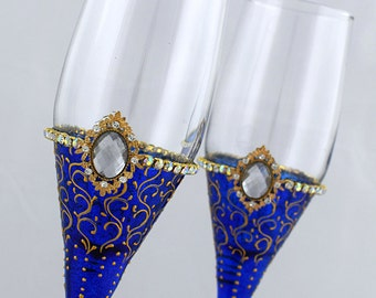 Royal Blue Wedding Glasses Royal blue & gold lace toasting flutes Hand painted champagne glasses Set of 2 Beach wedding Winter wedding