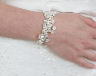 Bridal pearl cluster bracelet, Wedding pearl cluster bracelet, pearl and crystal bridal bracelet, Wedding bracelet, Bridal bracelet, Wedding