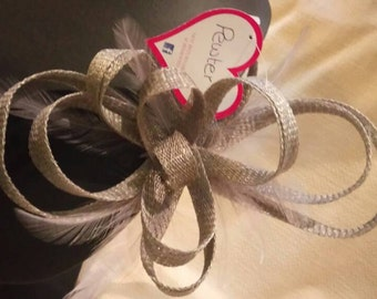 Bow Fascinator with feathers. Pewter colour.