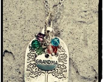 Family Tree Necklace - Grandma//Mother Necklace - Swarovski Crystal Birthstones - Tree Charm Pendant/Birthstones - Grandma/Mother Gift