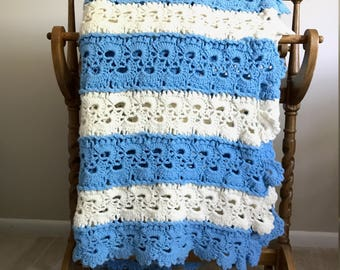 Blue and White scalloped afghan