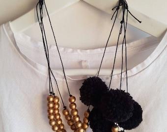 HELENA mod necklace with black pompom