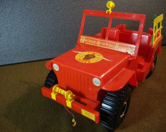 1973 Empire Circle E Ranch Jeep Red & Yellow Large Vintage Plastic Toy Vehicle Incomplete