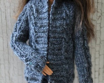cardigan sweater and jeans for barbie | momoko