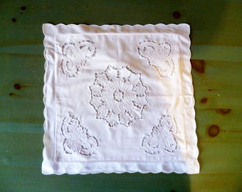 Vintage white cotton pillowcase cushions/Vintage of white cotton pillowcase for furniture cushions