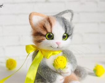 Little felted kitty handmade 100%