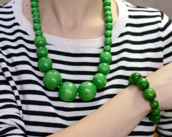 Green set Big bead necklace, Spring green Bead Necklace and bracelet, coloured wood fashion necklace set, jewelry gift idea, gift for wife