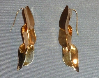 14K Yellow Gold 3 Leaf Dangle Earrings,  3.75 grams total weight