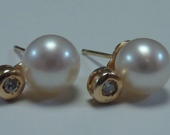14K Yellow Gold Diamond and Pearl Stud Earrings
