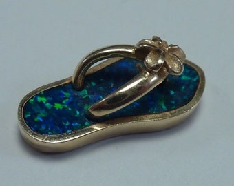 14K Yellow Gold Sandal Pendant with ground Opal, 2.2 grams