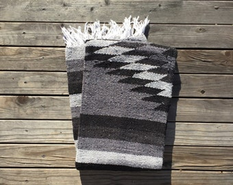 Mexican Blanket | Black & Gray