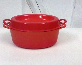 Oval Dutch oven orange LE CREUSET vintage.