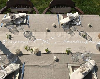 Infinity flight linen table runner