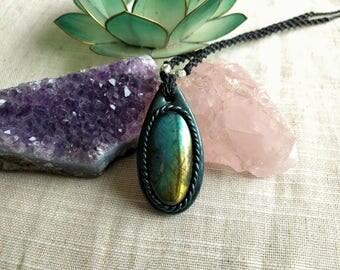 Handmade Labradorite pendant with fimo design