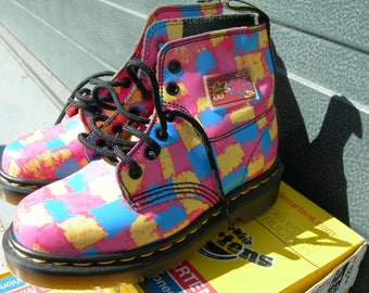 Dr Martens vintage girls  boots pink chequers 6 eyelet z welt  PK-CH9472Z new in box made in England