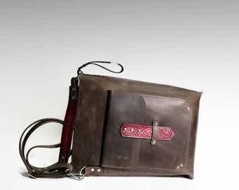 Men's leather bag Lap top leather purse Minimalistic crossbody bag Crossover bag Shoulder bag gift for him Vertical Briefcase Vintage effect