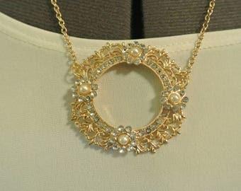 A Lovely Pendant Necklace