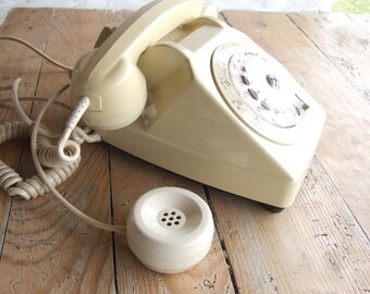 Retro French Telephone// With Grandmother Listener