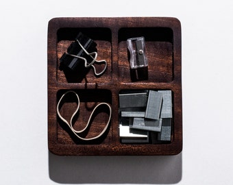 Wooden desk organizer / four squares