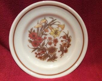 Pyrex Harvest Spray Tea Plate 16cm diameter circa 1982
