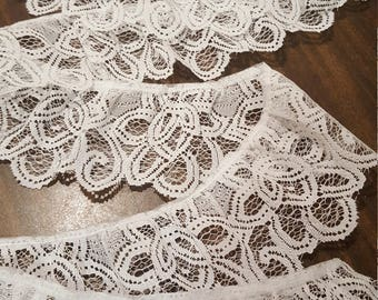"Beautiful Vintage  Piece of White Lace 2.2 yards (80"" or 200cm) by 3 inch (7.5cm)"