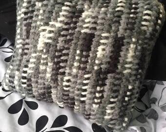 Santiam Pass Tunisian Simple Stitch Throw Pillow Pattern