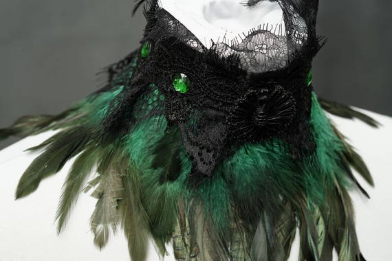 SALE green gothic chocker with feathers and lace, Choker gothic with feathers and lace