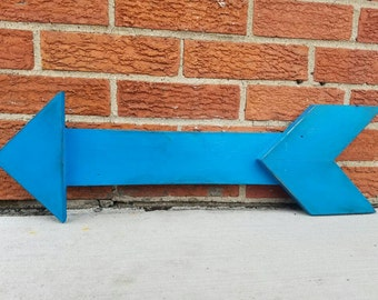 Turquoise Distressed Pallet Arrow