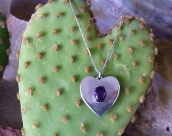 Silver heart pendant with amethyst