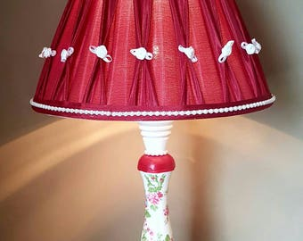 Ooak Country Rose Table Lamp Red White Roses Pearls Vintage Shabby Chic Bedroom Home Decor
