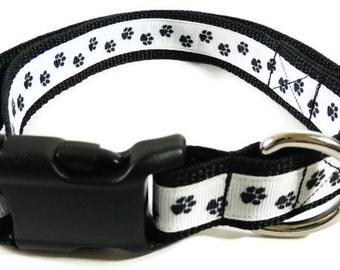 X-Large Black/White Paw Print Dog Collar