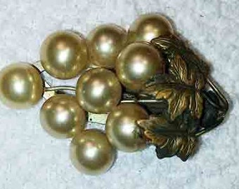 Beautiful Vintage Grape  Pearl Pin