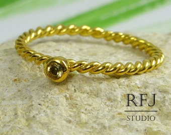 Natural Peridot Rope Gold Ring, 24K Yellow Gold Plated August Birthstone 2 mm Round Cut Ring, Green Genuine Peridot Twist Yellow Gold Ring
